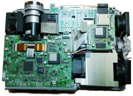 Проектор Epson в процессе ремонта