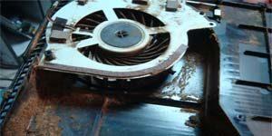 Игровая приставка шумит и выключается - чистка и замена термопасты