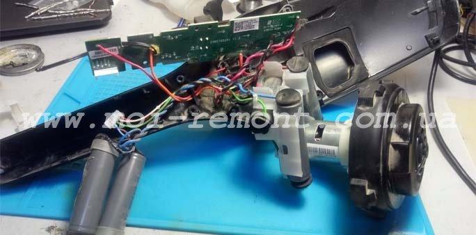 Процесс замены аккумуляторов